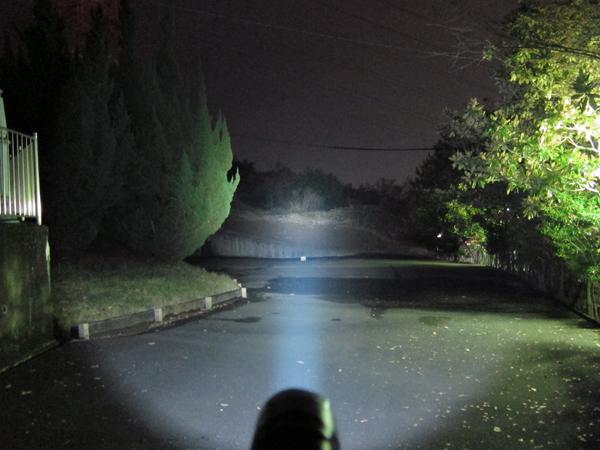 LED懐中電灯 1000lm CREE XM-L T6 LED