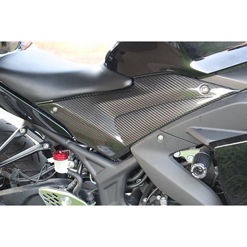 タンクサイドカバー 左右セット ドライカーボン 綾織艶あり